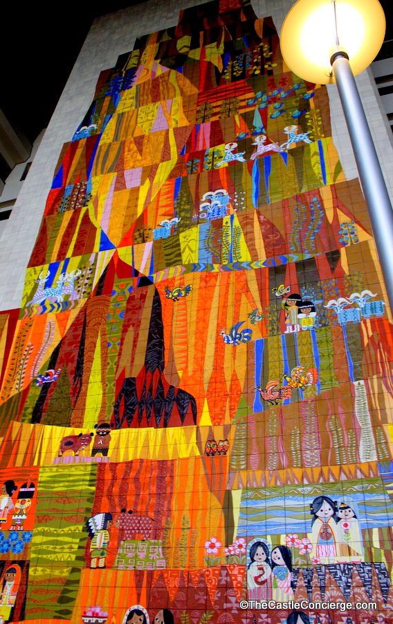 Disney 39 s contemporary resort closest hotel to the magic for Contemporary resort mural