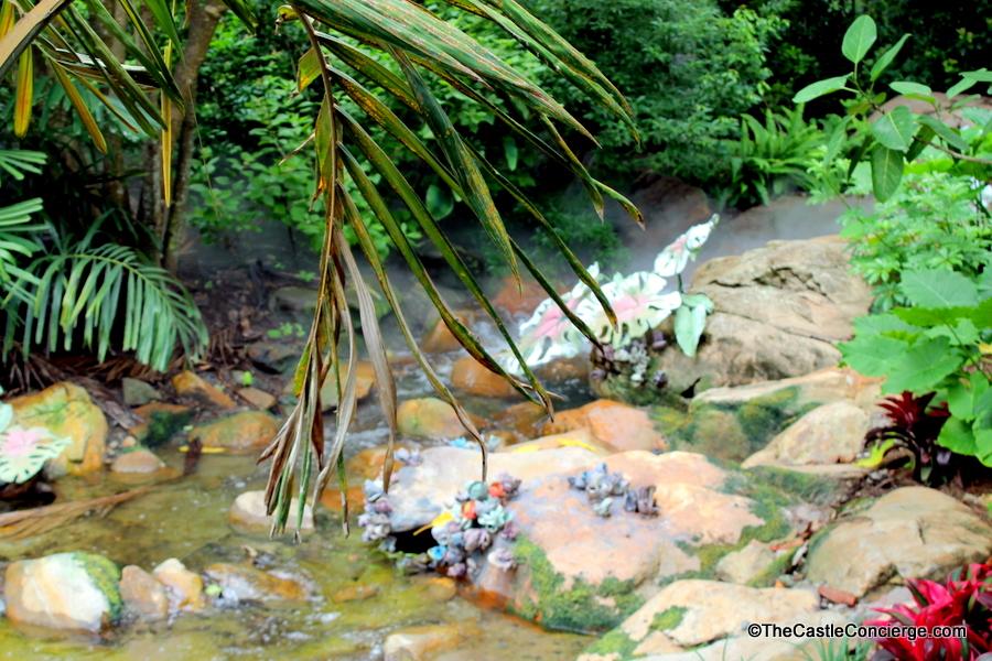 Explore nature in Pandora The World of Avatar.