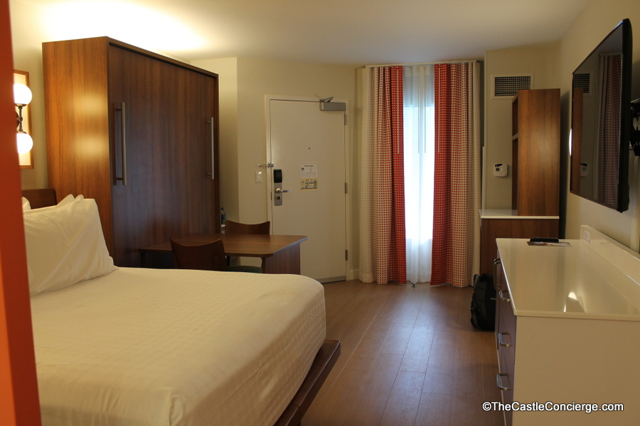 Photo Tour 2017 Renovated Room At Disney S Pop Century