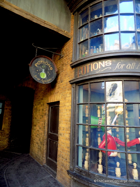 Potions Storefront in Diagon Alley