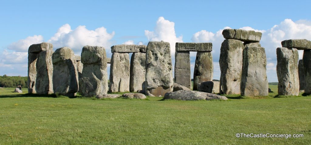 A tour to Stonehenge.